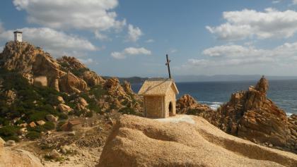 kleine Kraxelei auf eine Felsnadel an der Landspitze des Capu di Muru