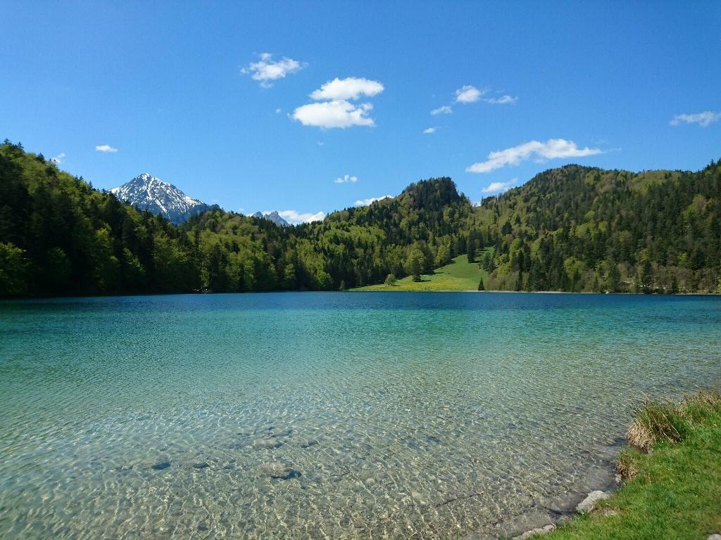 Blick auf den Kristallblauen Alatsee - @ Autor: Julian Knacker - © Quelle: Pfronten Tourismus