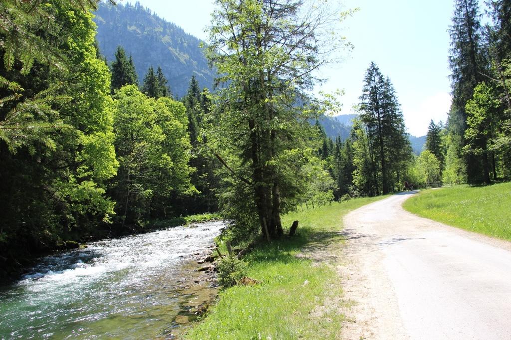 Weg zur Vilstalsäge  - @ Autor: Julian Knacker  - © Quelle: Pfronten Tourismus