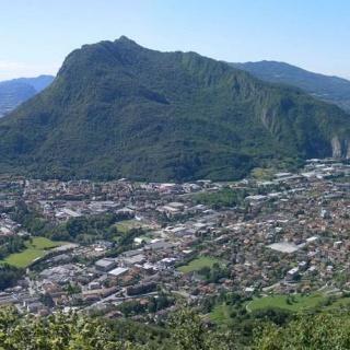 Valmadrera/Malgrate vor Monte Barro