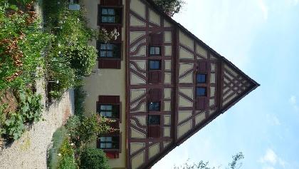 Frontansicht des Bauernhausmuseums Ödenwaldstetten.