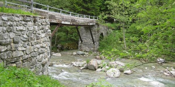 historische Brücke in Cuflons