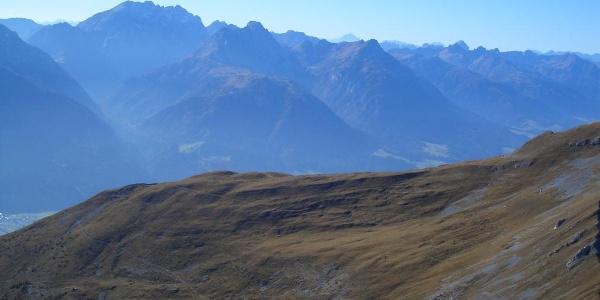 Torkofel-Gipfelblick auf die Karnischen Alpen (Hohe Warte)