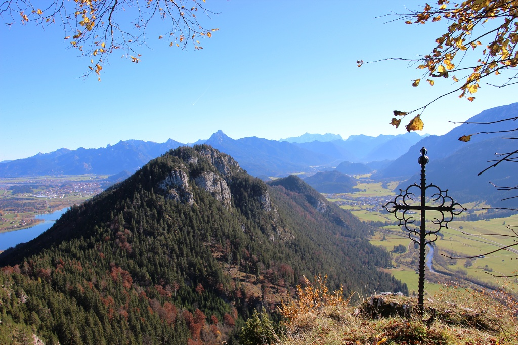 Der Falkenstein im Herbst - @ Autor: Julian Knacker - © Quelle: Pfronten Tourismus