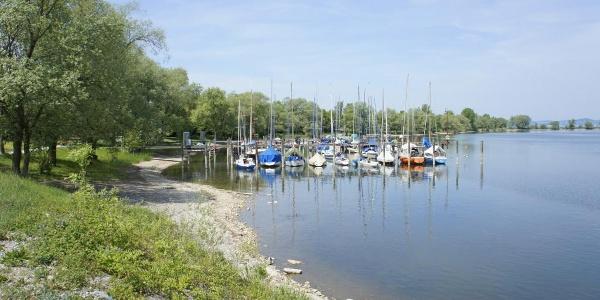 Boote im Binnenbecken