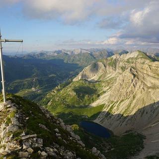 Blick von der Vorderen Großwandspitze zum Wildsee