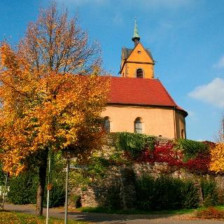 Kirche St. Michael, Öffnungszeiten: Palmsamstag bis Ende Oktober, täglich von 14.00-17.00 Uhr