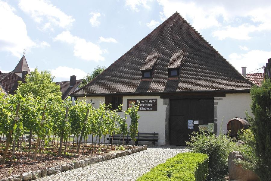 Achkarrer Schlossbergpfad - beeindruckende Weinlandschaft