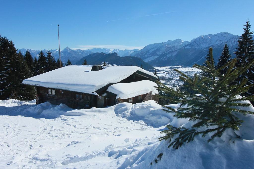 Die Hündeleskopfhütte im Winter - @ Autor: Julian Knacker - © Quelle: Foto: G. Eisenschink