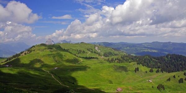 Blick vom Stärnen Richtung Spirstock & Mythen