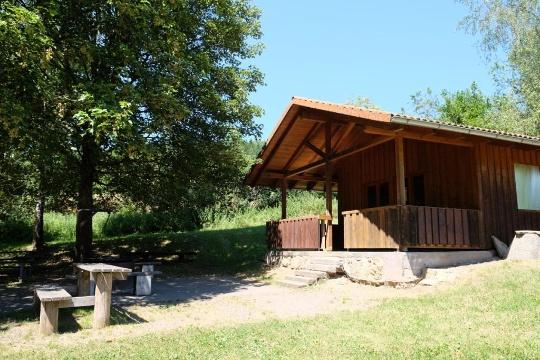 Haldenhütte mit Grillplatz