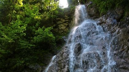 Kleiner Wasserfall in der Höllschlucht, bei Pfronten-Kappel