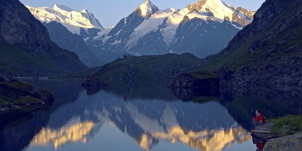 Lac et cabane de Louvie