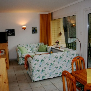 Wohnzimmer eines Bungalows der Ferienanlage Hörster Horst