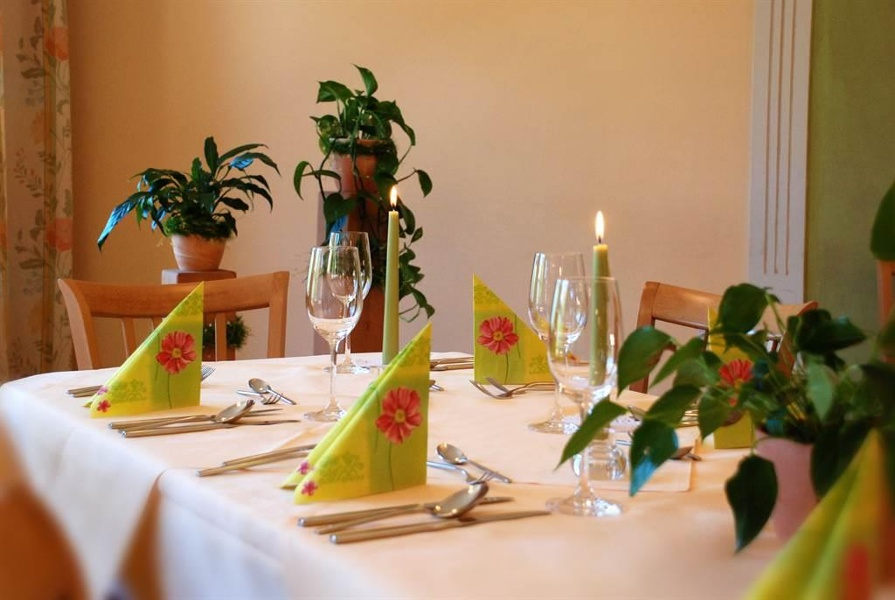 gedeckter Tisch 2