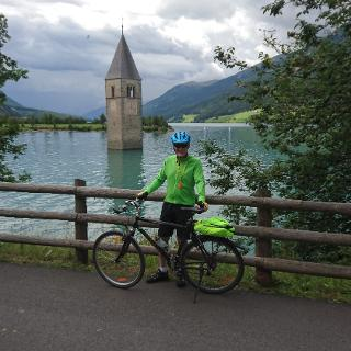Der Kirchturm im Reschensee