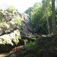 Heckelbuschfelsen