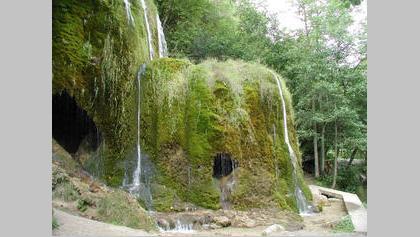Eifelsteig Etappe 8: Mirbach - Hilleshim_Schleife: Wasserfall Dreimühlen