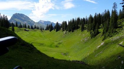 "2200 Durchquerung des Chalbertals | 46°57'52.7""N 8°50'55.8""E"