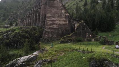 Le rovine della diga del Gleno (crollata nel 1923)