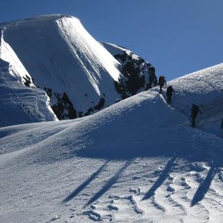 Kurz vor dem Sattel, danach beginnt der Gipfelaufschwung.