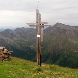Am Gipfel - Im Hintergrund Grabenstein, Villponer Lenke, Hochgrabe