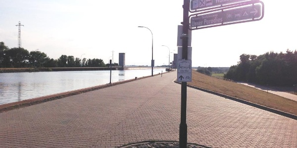 Abzweig vor Trogbrücke