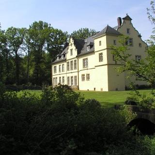 Schloss Crollage im Mühlenkreis.jpg