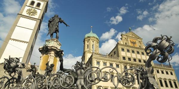 Rathaus mit Perlachturm und Augustusbrunnen
