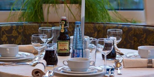 Gedeckter Tisch im Gästehaus Havergoh
