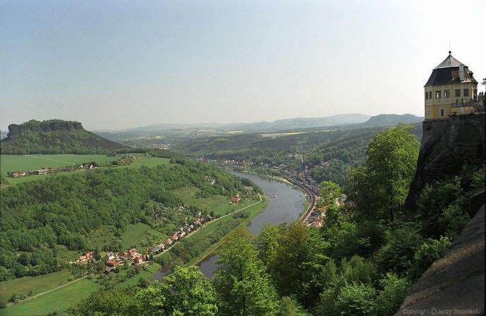 Foto Die Festung und der Lilienstein.