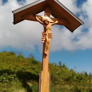 Neues Kreuz am Tiefenbacher Eck