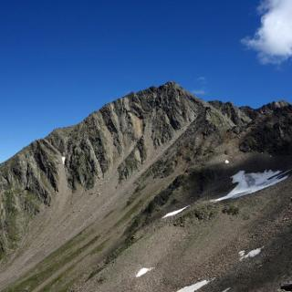 Der Gipfel von der anderen Seite des Lasnitzentals aus gesehen.