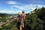 Blick über Albstadt-Ebingen zum Schlossfelsenturm
