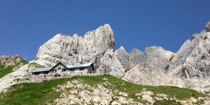 Rifugio p f calvi sappada baita di montagna alte for Rifugio in baita di montagna