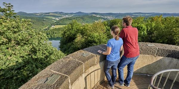 Landschaftsblick vom Dronketurm_Maareglück