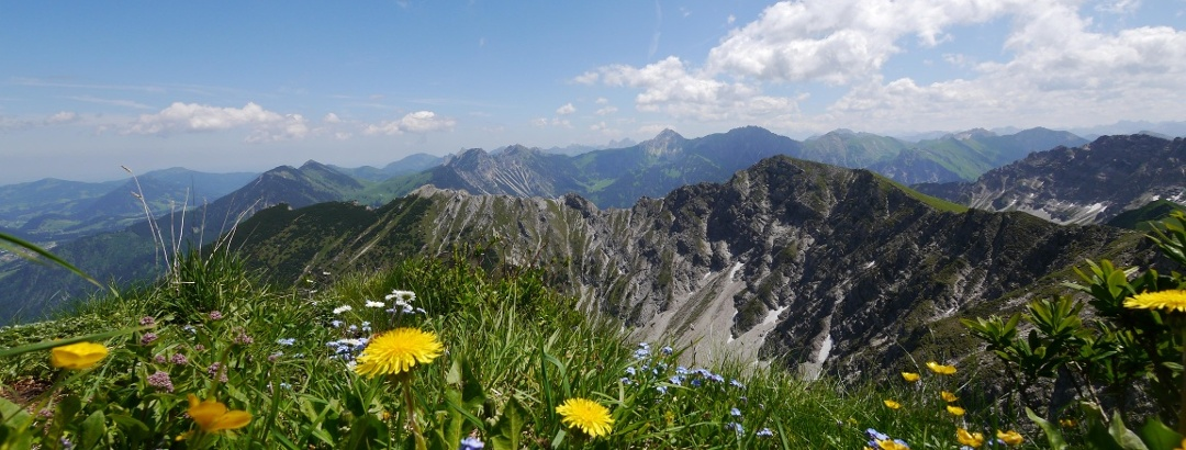 View from Rotspitze to Hohen Gänge and Breitenberg