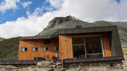 Moderne am Berg