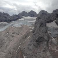 Beim überfliegen des Gletschers mit dem Heli 2015 (neue Bilder folgen)