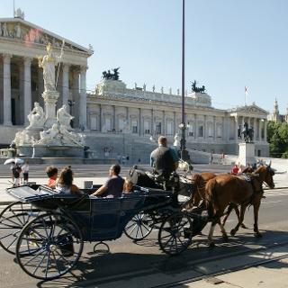 Fiaker vor dem Wiener Parlament