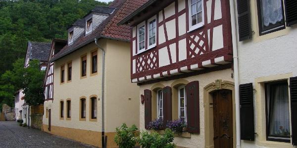 Malerische Fachwerkhäuser finden sich in der Atstadt von Meisenheim.