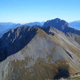 Torkofel-Gipfelblick nach Osten auf Mitterkofel, Spitzkofel und Reißkofel
