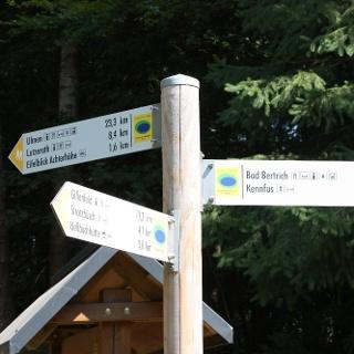 Über Wiesen und Felder bei Lutzerath_Zwei Täler Weg