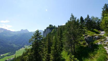 Blick auf die Ruine Falkenstein