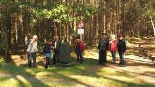 Sagenhafte Wanderung durch das Schradenland:  Grenzsteinwanderung