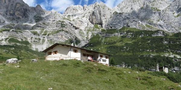 Trekking Rifugio Cacciatore - Rifugio Agostini.