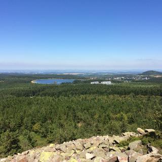 Blick vom Kahleberg zu den Galgenteichen und  dem Geisingberg