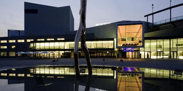 Festspiel- und Kongresshaus Bregenz bei Nacht