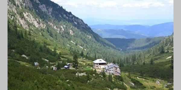 Maliovitsa Hut