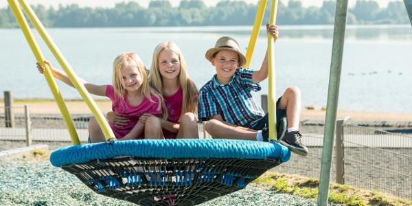 Kinder am Blaustein-See